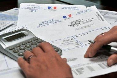 55% des Français se déclarent favorables au système actuel du quotient familial plutôt qu'à l'instauration d'une somme fixe versée par enfant à charge sans condition de revenus, indique un sondage Ifop pour « Sud Ouest Dimanche ».